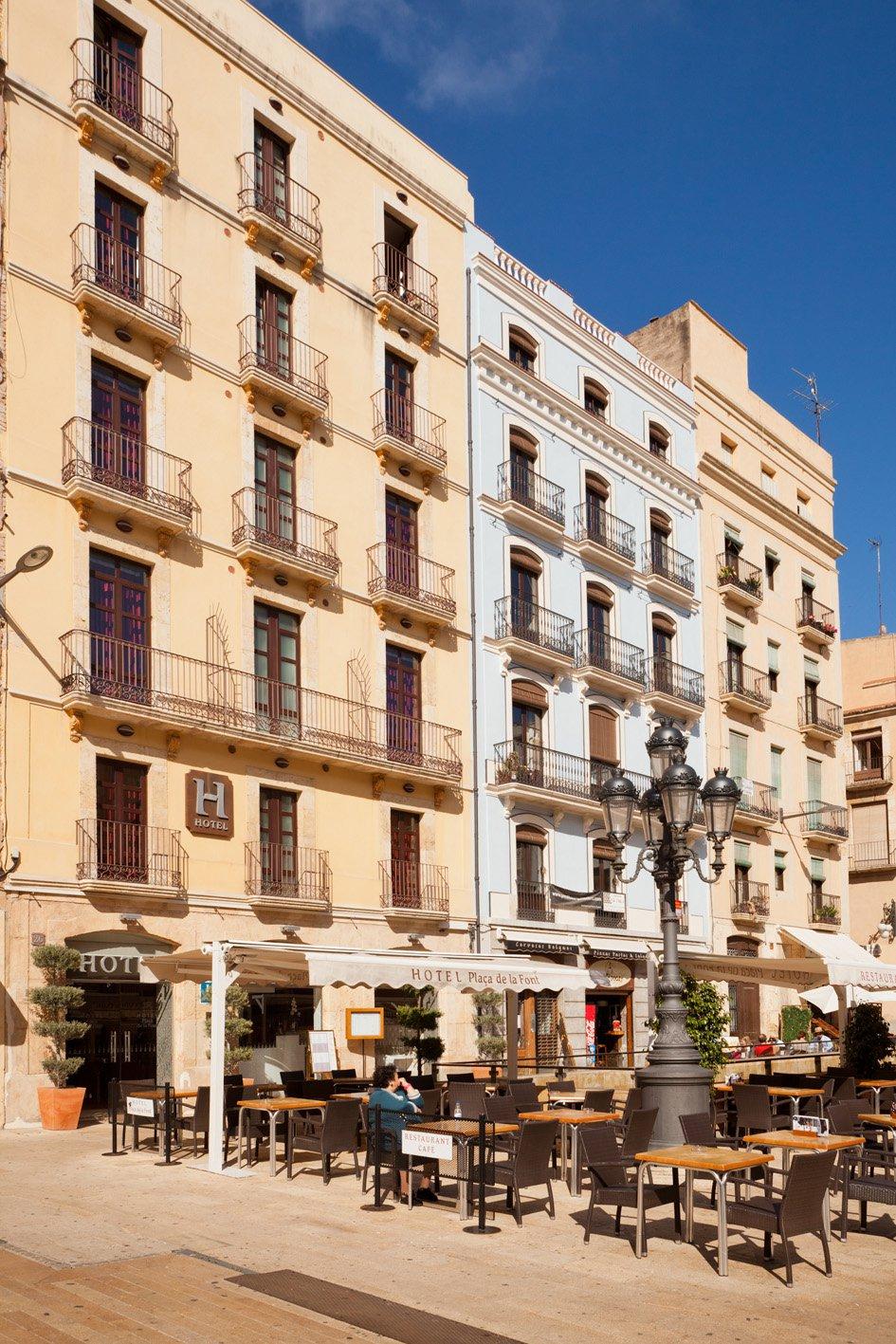 hotel_la_fontnombre_del_documento_12-68457708c5dba91b6d39e4e9d63057fb